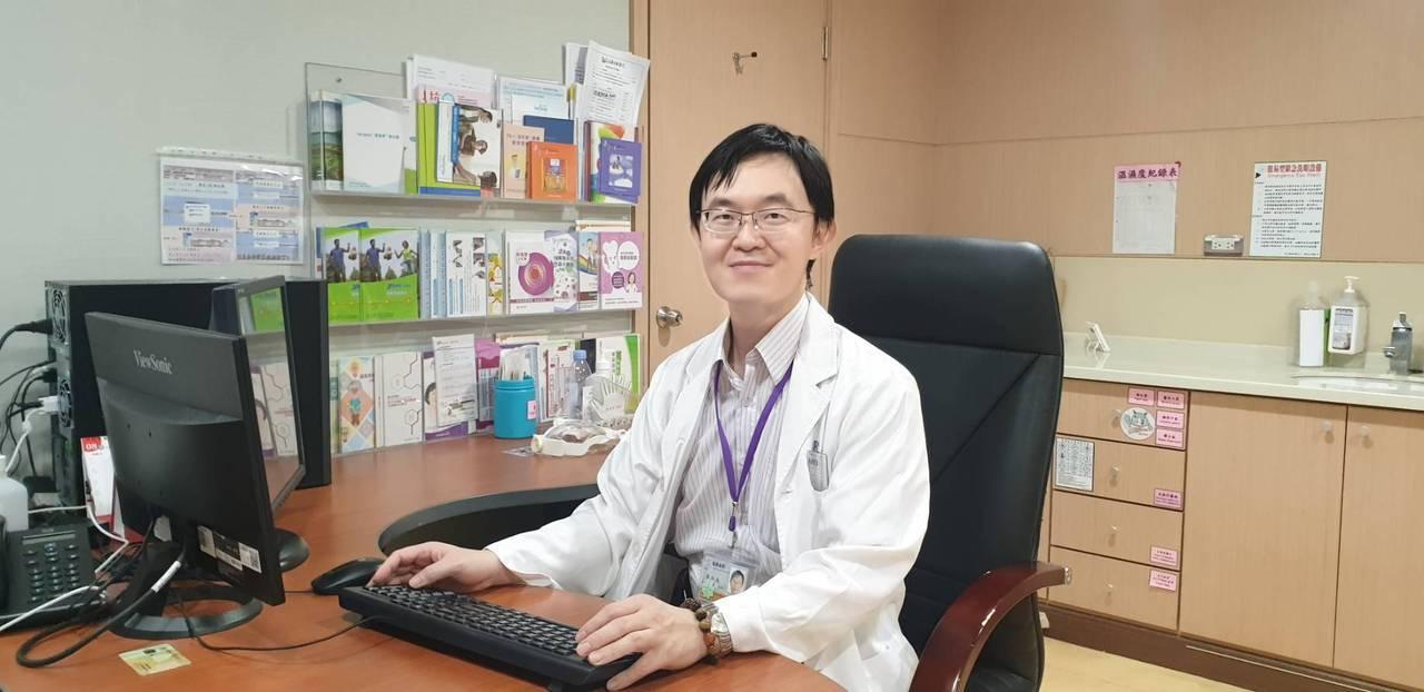 義大醫院血液腫瘤部部長裴松南說,癌症病患接種疫苗,醫師在意的重點是疫苗效果,而非...