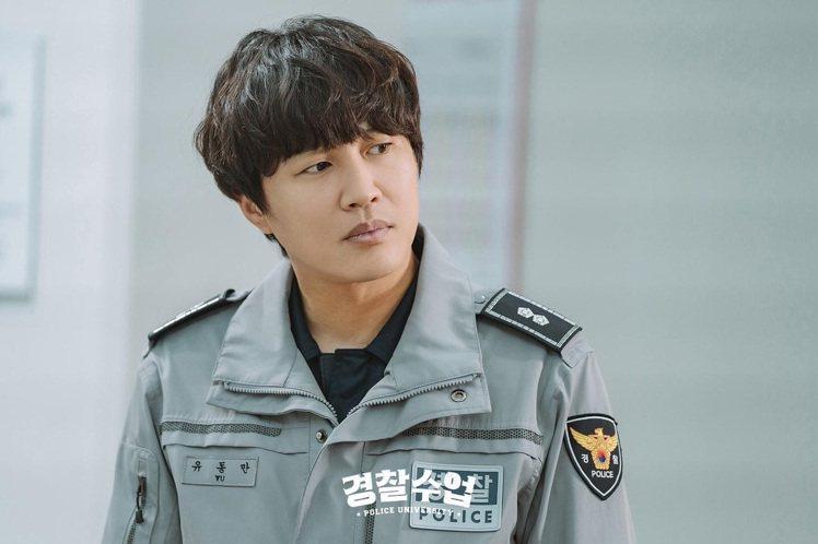 時隔20年,車太鉉已成為大叔,近期演出的《警察課程》收視亮眼。圖/取自KBS D...