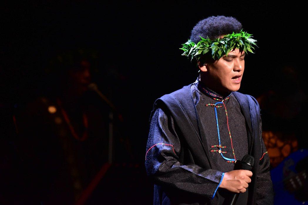卑南族歌手桑布伊相隔4年推出專輯「得力量 pulu'em 」,依舊從卑南古調出發
