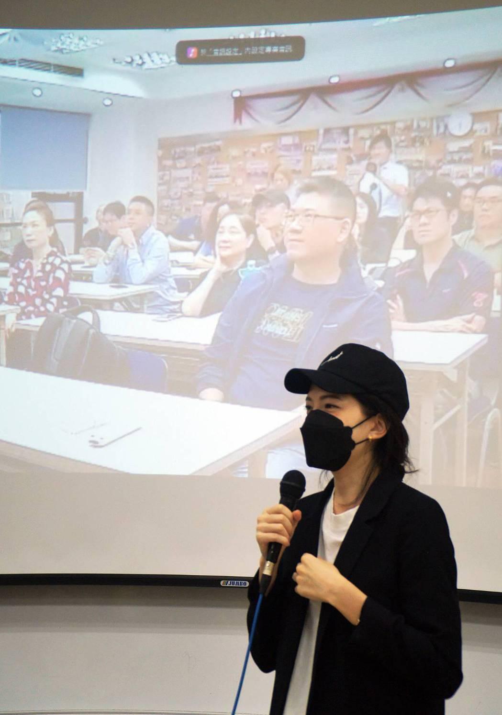 許瑋甯是本屆世新碩專班的學生會會長。圖/世新大學提供
