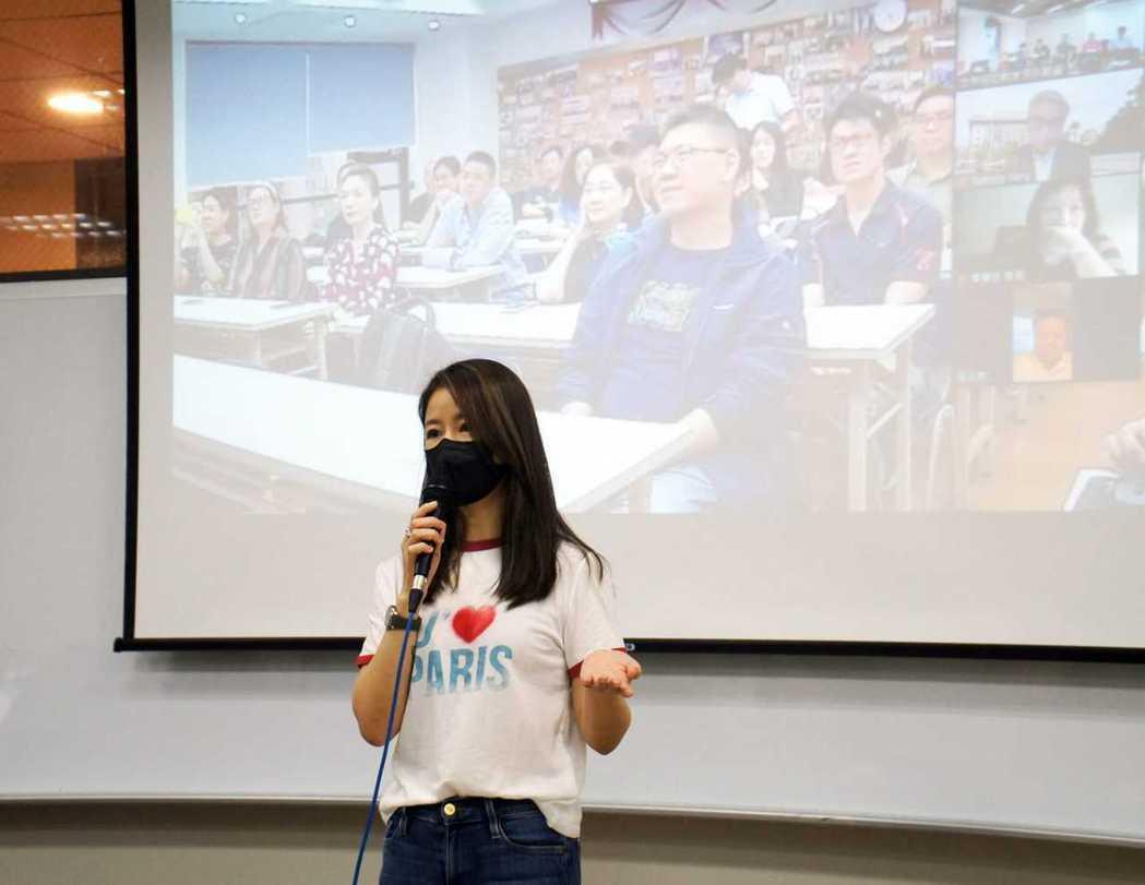 林心如以從世新上海碩專班畢業。圖/世新大學提供