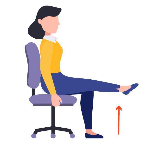 坐姿抬腿運動 圖/123RF