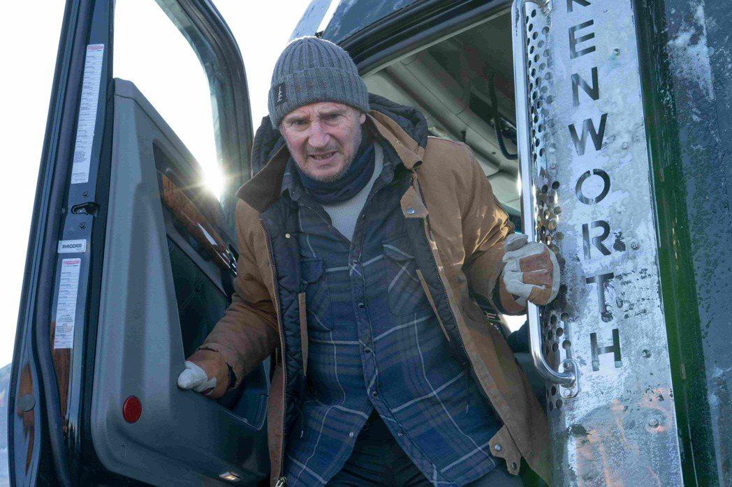 連恩尼遜新片「疾凍救援」過程緊張刺激。圖/甲上提供