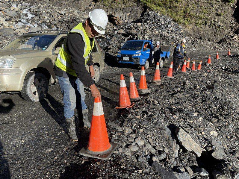 南橫公路闢建、養護過程困難重重,工程人員是幕後無名英雄。記者劉學聖/攝影