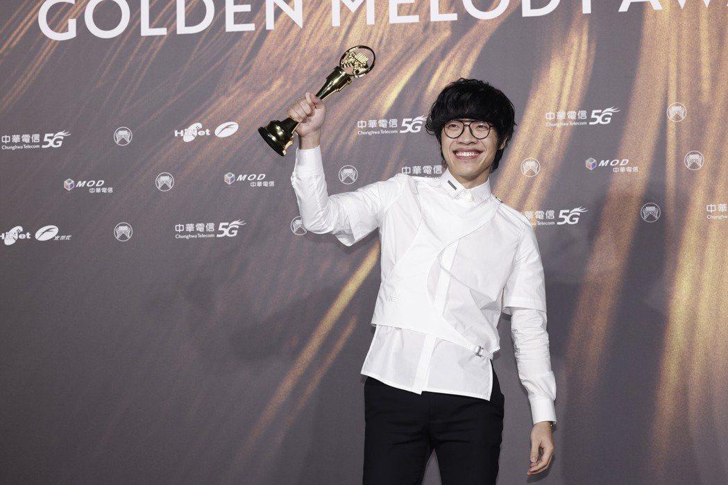 第32屆金曲獎年度歌曲獎由盧廣仲《刻在我心底的名字》獲得。記者李政龍/攝影