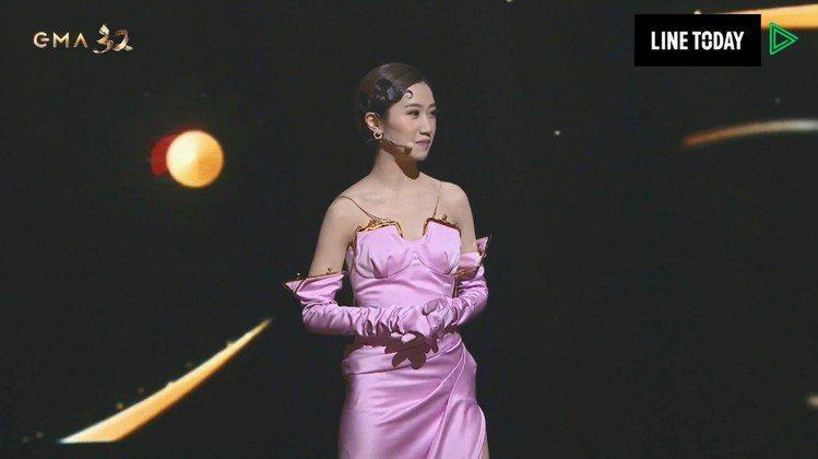 Lulu開場主持金曲獎典禮,妙語如珠。圖/翻攝自LINE TV、台視