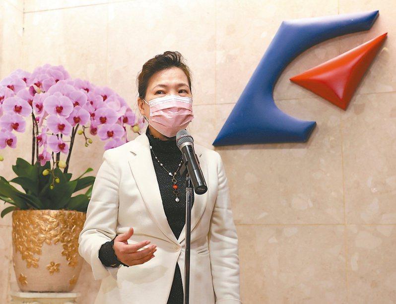 經濟部長王美花表示已經與國內晶圓代工業者取得共識,盡量解決全球車用晶片缺貨問題。(本報系資料庫)