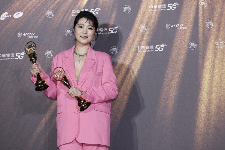 曹雅雯昨金曲32奪得3項大獎。記者李政龍/攝影