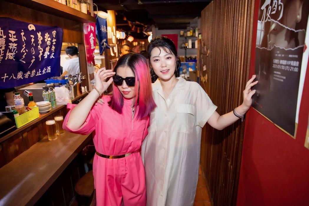 台語歌后曹雅雯(右)與金曲新人?te因合作歌曲「若是明仔載」而成朋友,昨晚雙雙奪...