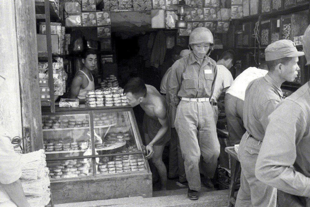 到1992年戰地政務統治結束之前,金馬仍被迫居於戰地地位。攝於1958年9月26日。 圖/聯合報系資料照
