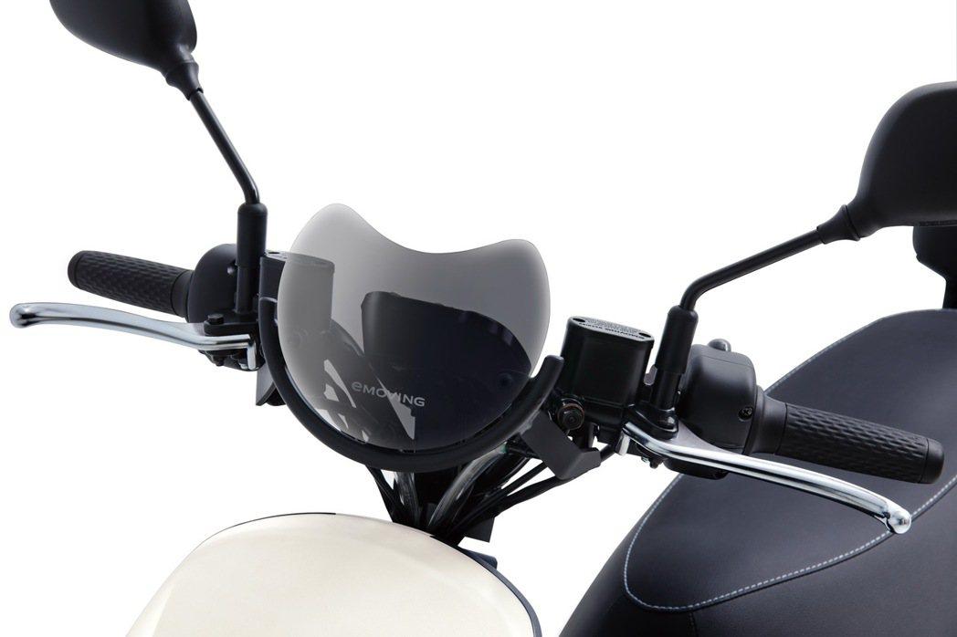 超有型擋風鏡設計。 圖/中華汽車提供