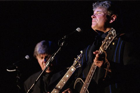 美國鄉村搖滾先驅艾佛利兄弟二重唱(Everly Brothers)的哥哥唐艾佛利(Don Everly)逝世,享壽84歲,兄弟倆唱紅的名曲包括Bye Bye Love、Wake Up Little ...