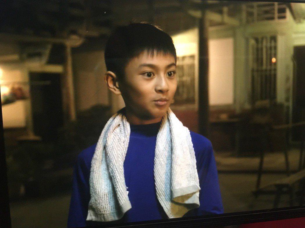 「俗女2」中飾演小蔡永森的童星朱宥丞,濃眉大眼的可愛模樣立刻圈粉無數。圖/摘自C...
