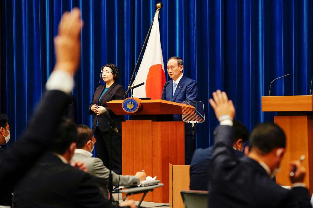 首當其衝的菅義偉本人,在橫濱大敗之後並沒有太多意見表示,面對外界質疑「是否要放棄...