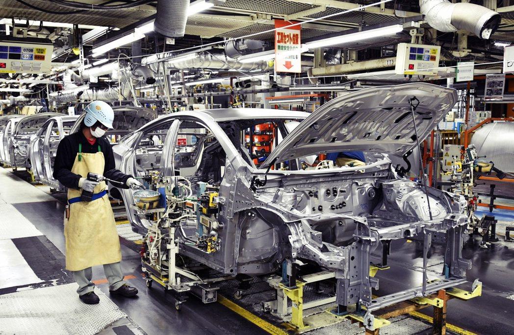 豐田迅速的發展,加上工人需求大增,其工廠所在地愛知縣舉母市,不但人口大量增加,也...
