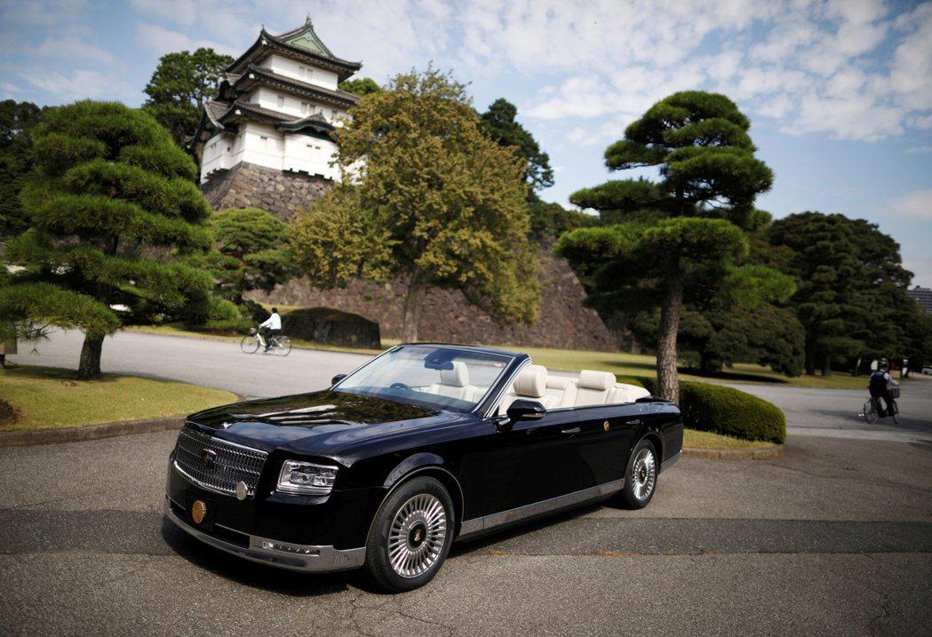 天皇專用的Toyota Century。已退位的上皇明仁,本身也是汽車駕駛愛好者...