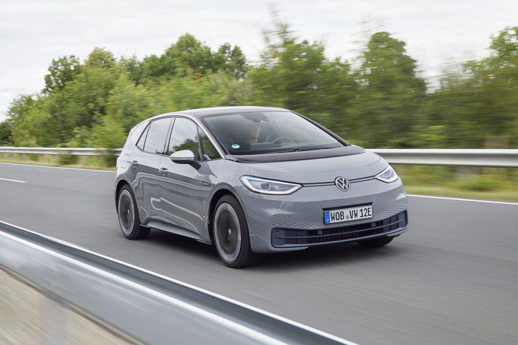 Volkswagen ID.3是品牌首款建構在MEB模組化平台之上的純電動車。 ...