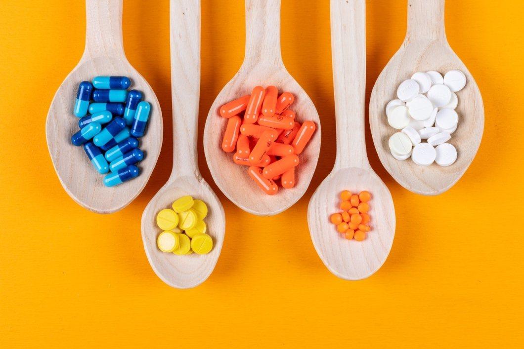 若不確定身體缺了哪些營養素,則可選擇綜合維他命+鋅。 圖/freepik