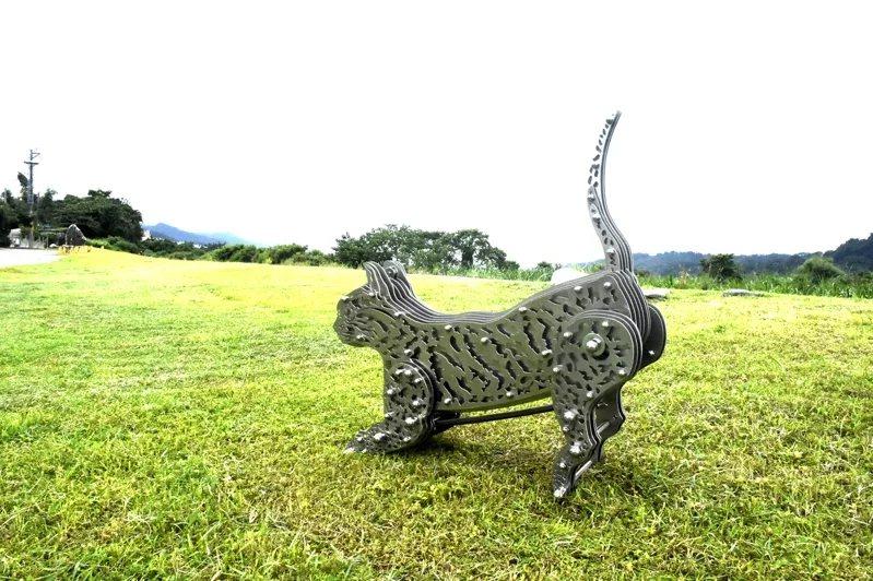 張樸勻為這次藝術節打造「奔跑吧石虎!」,為增加展出親近性,作品可讓民眾近距離互動...