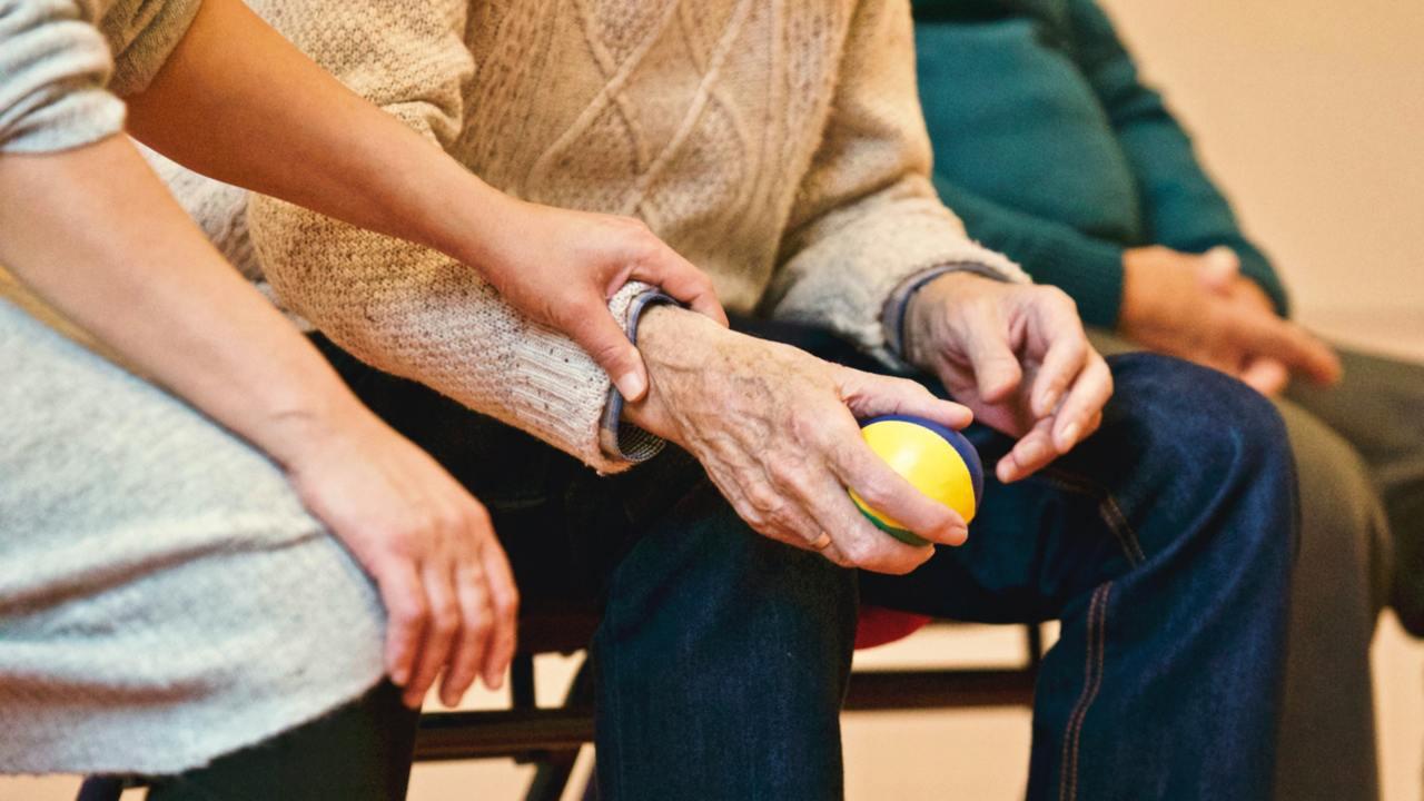 退休後,留錢照顧家人可能不再是首要目標,反而應付自己老後生活的退休金、逐漸增加的...