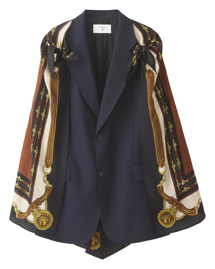 H&M聯名Toga Archives系列絲巾印花披肩外套4,999元。圖...