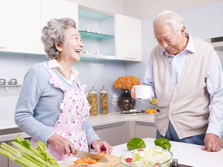 只要掌握4個料理技巧,可以讓牙口不好的長輩也能輕鬆下嚥。圖/123RF