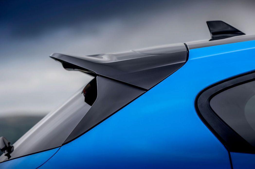 黑色高光澤尾翼設計。 圖/Ford提供