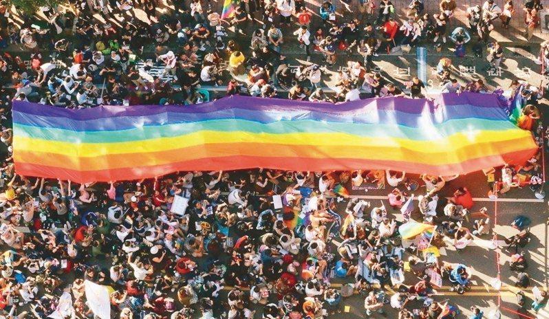 同性婚姻雖然已經合法化,不過,國內人工生殖法排除同性伴侶。圖/聯合報系資料照片