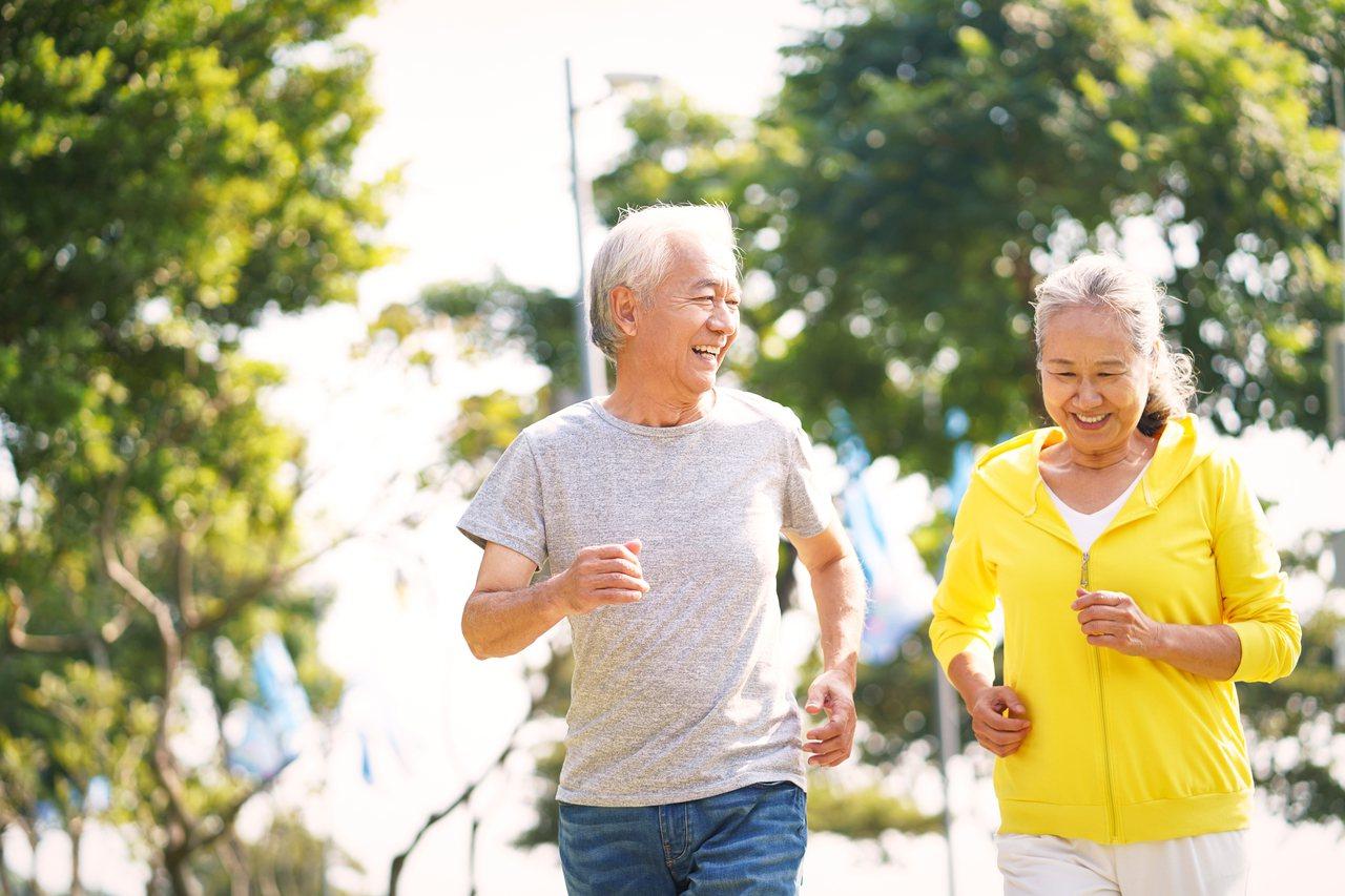 橘世代想開創退休後的第二人生,可不能忽視「3動」的重要性。 圖/shutters...