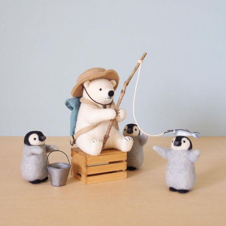 trois M貼文中表示,北極熊釣魚是和母親一起完成的作品。圖/取自IG @tr...