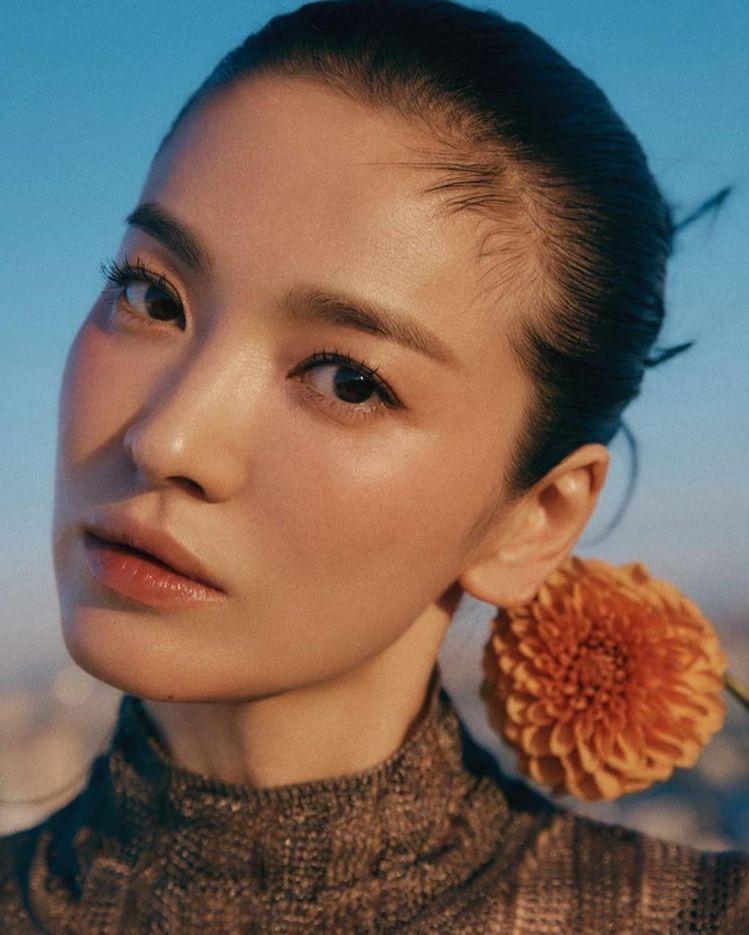 網友都表示宋慧喬離婚後更美,近拍也是無懈可擊高顏值。圖/取自IG