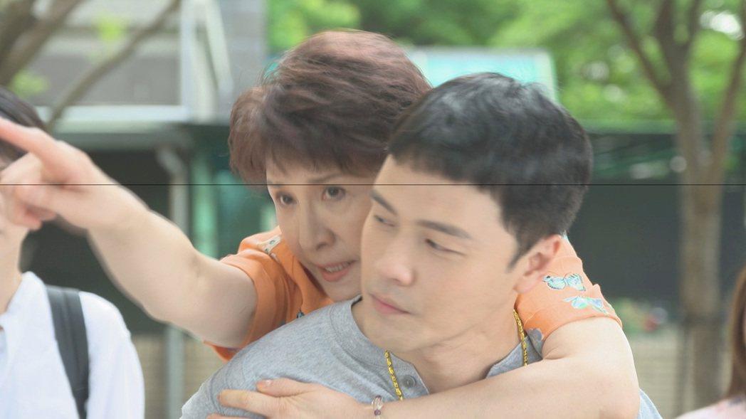 趙心妍在戲中飾演黃文星的媽媽。圖/民視提供