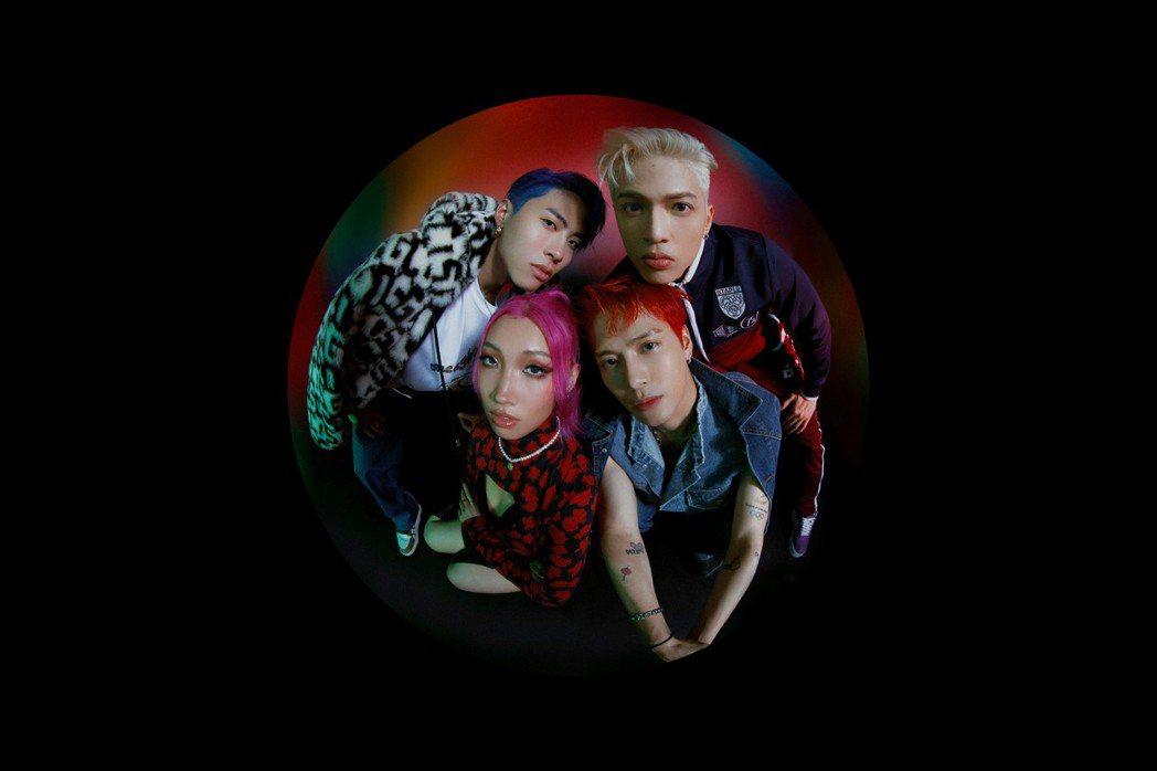 PANTHEPACK由王嘉爾(右下)、ICE(左上)、J.Sheon(右上)和K...