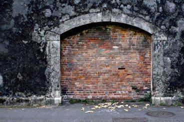 江芝華/百年前的牢房生活:與考古學者掀開「台北監獄圍牆遺址」故事