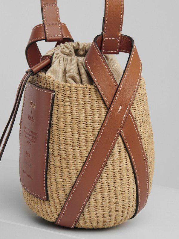 Chloé的Basket系列提籃束口袋,來自對環境友善的製程、肯亞當地的傳統編織...