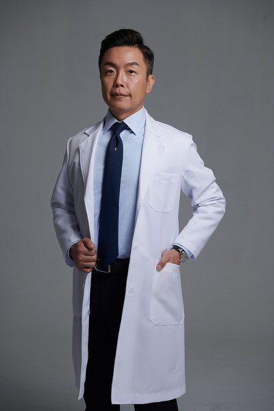 秀傳紀念醫院醫療副院長林忠葦同時兼任秀傳癌醫中心的副院長。 圖/林忠葦醫師 提供