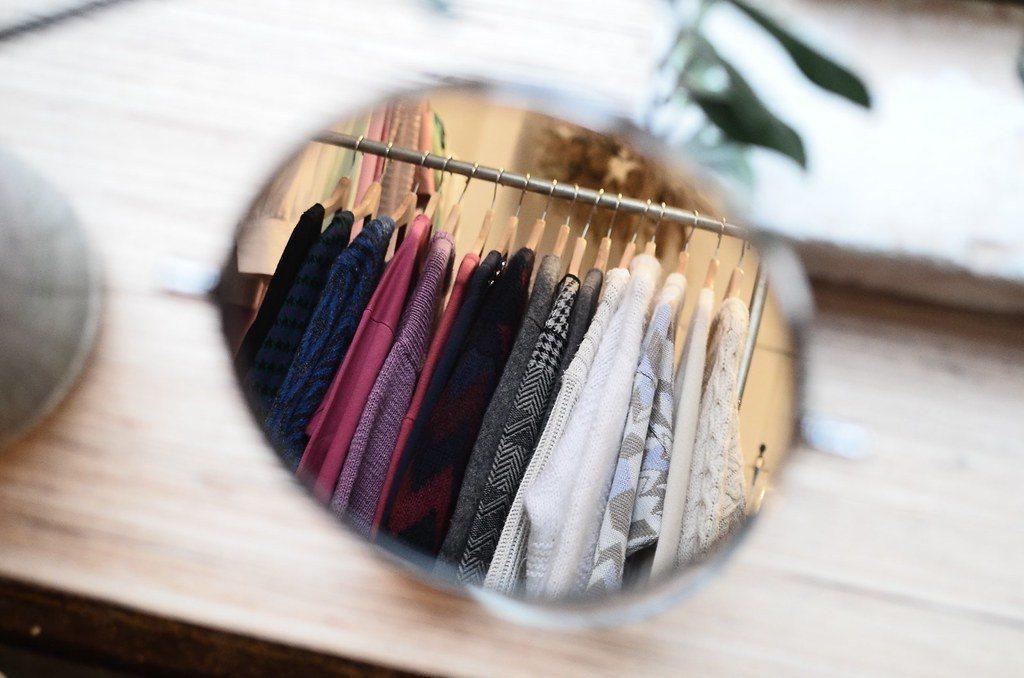 芬蘭科學期刊《環境研究通訊》的一篇論文指出,比起把不要的衣服直接丟掉,時裝租賃業...
