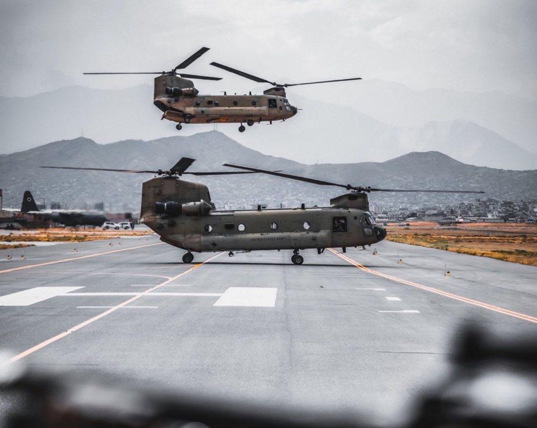 「每39分鐘就有一架逃難軍機起飛...但阿富汗的平民撤退,最多只剩下5天時間?」...