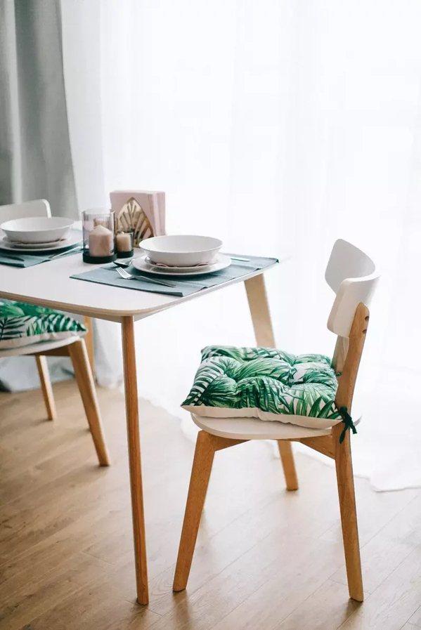 餐桌上可以增加餐墊、餐具風格,來讓吃飯更輕鬆。 圖/pexels