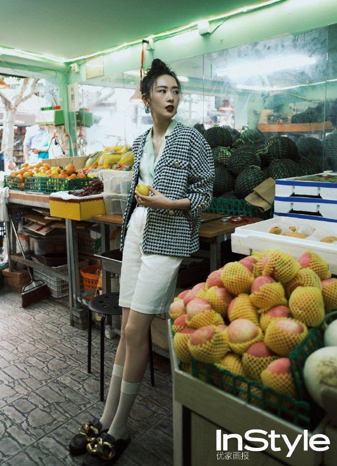 早前童瑶穿maje毛呢外套登上中國版《InStyle》。圖/取自IG