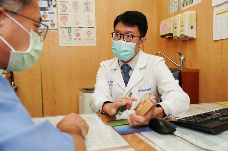 楊梅天成醫院泌尿科主任彭元宏表示,慢性骨盆腔疼痛症候群,好發年齡在30至60歲。...