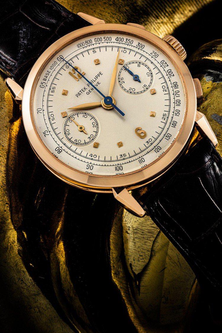 拍品編號 20——百達翡麗計時碼表型號1579R連原廠證書,是已知的僅有82枚玫...