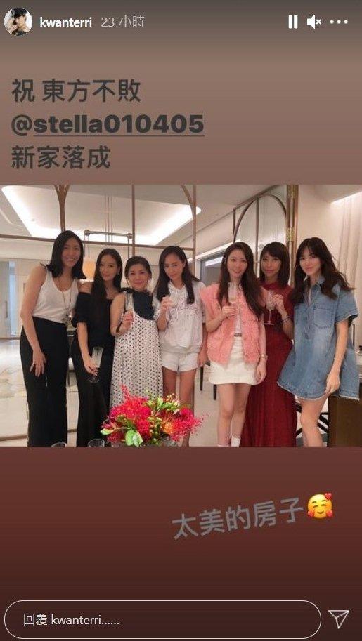 張清芳(左三)與姐妹們一起慶祝生日和新居落成。圖/摘自IG