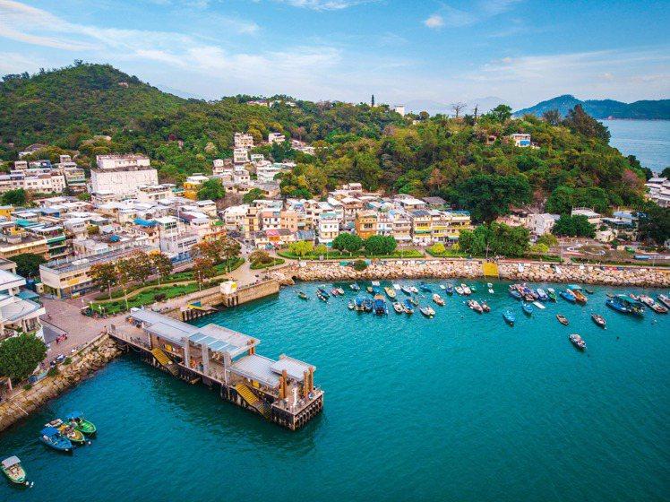 坪洲曾是工業小鎮,現在則是集藝術、歷史和美食集一身的小島。圖/港旅局提供