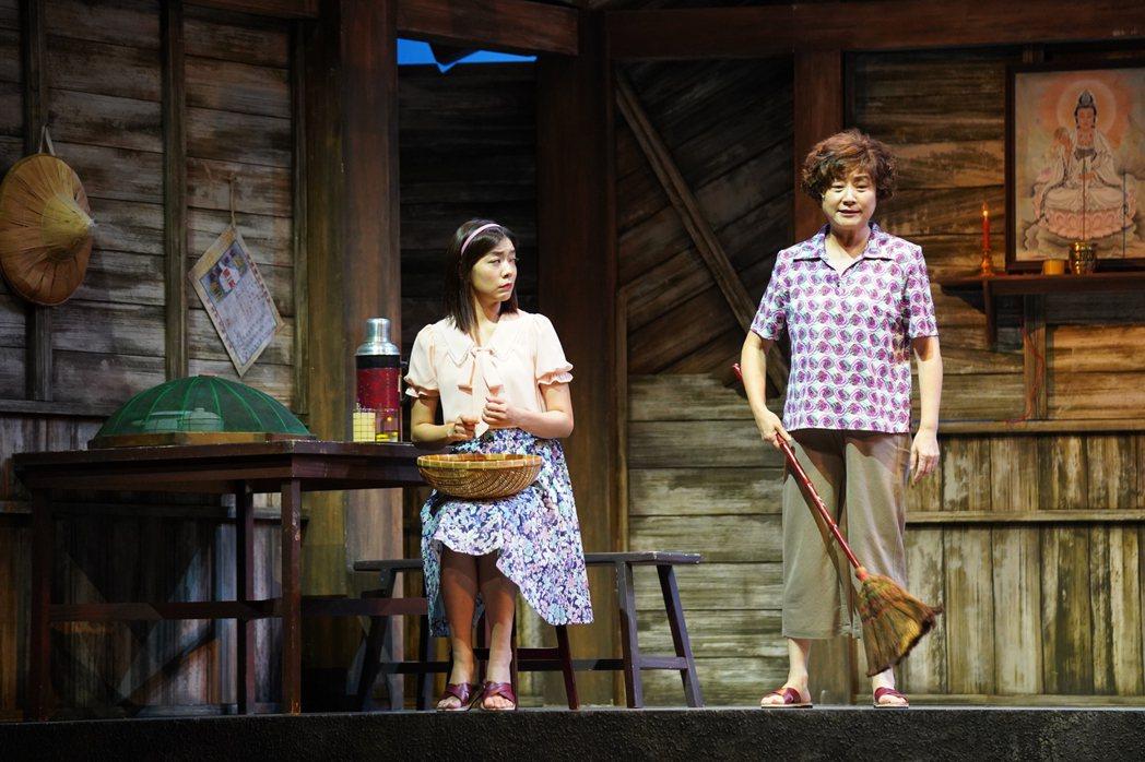楊麗音、林雨宣演出「人間條件七」。圖/綠光劇團提供