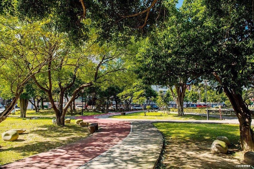 圖說:八德擴大重劃區內含15座公園,綠地覆蓋面積寬闊。(圖/麗寶Fika提供)