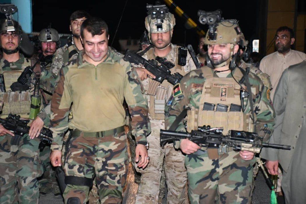 指揮215軍團的沙達特(左)與率領阿富汗特種部隊軍團的阿里賽(右),曾是北約極為...
