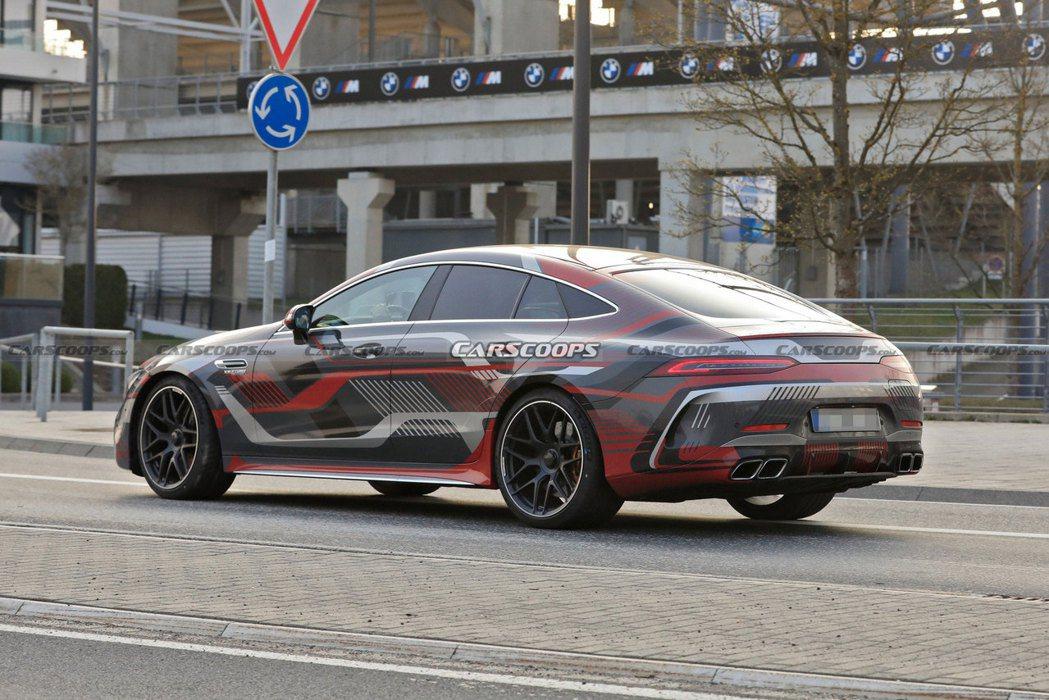 全新Mercedes-AMG GT 73 e 4-Door Coupe綜效馬力將...