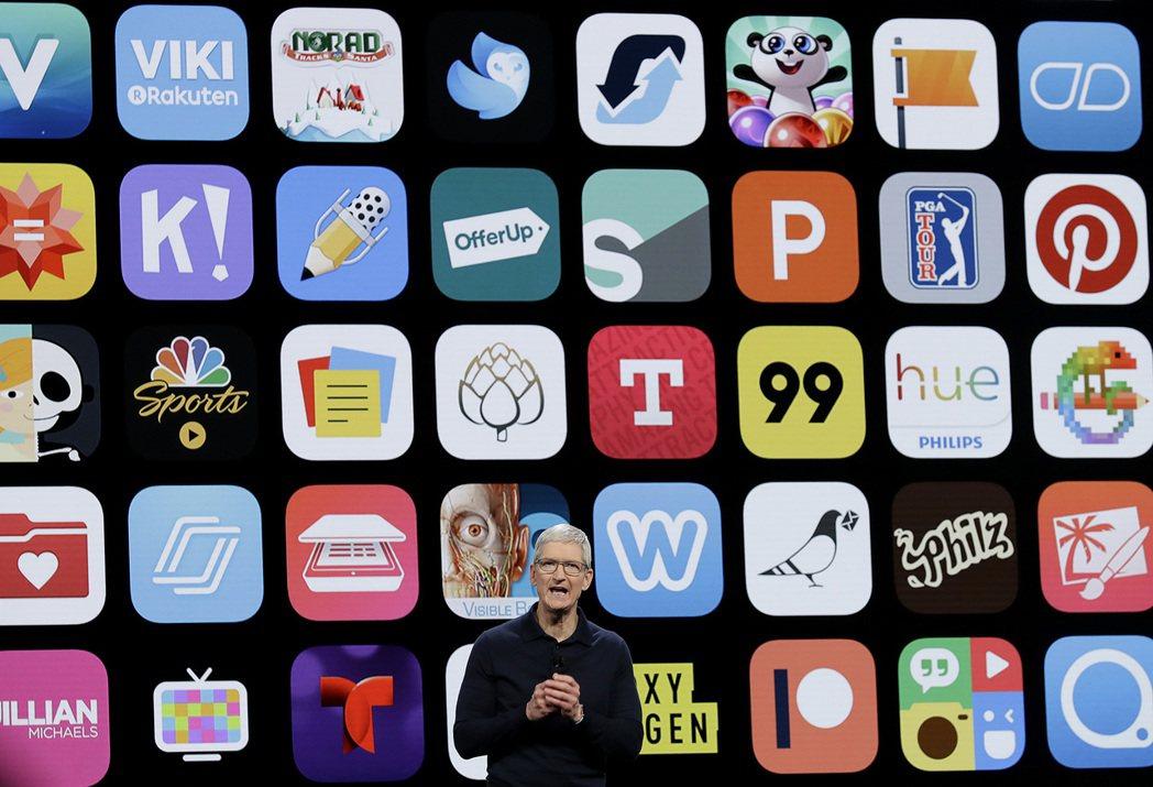 庫克擔任蘋果執行長已滿十年。圖/美聯社