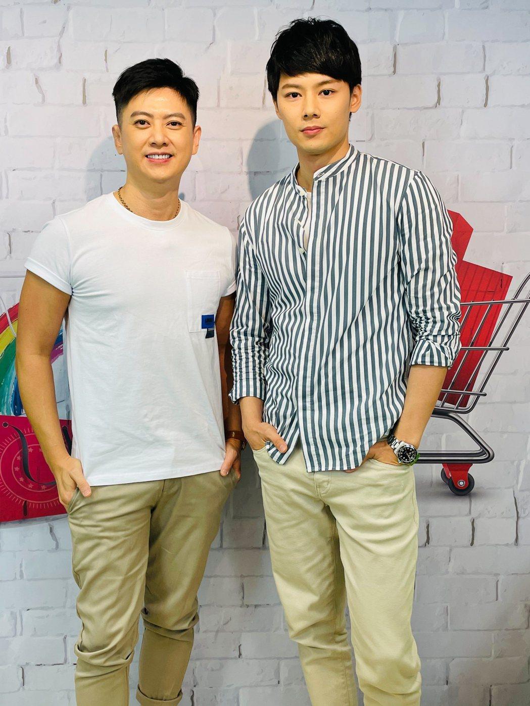 劉奕(左)和羅子惟上直播節目。圖/民視提供